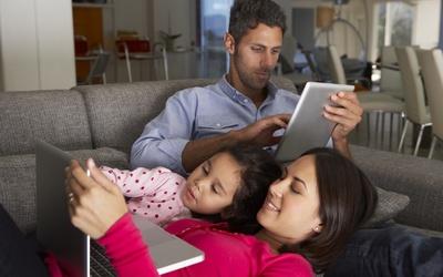 La tecnología puede ser gran aliada para las metas académicas de tus hijos