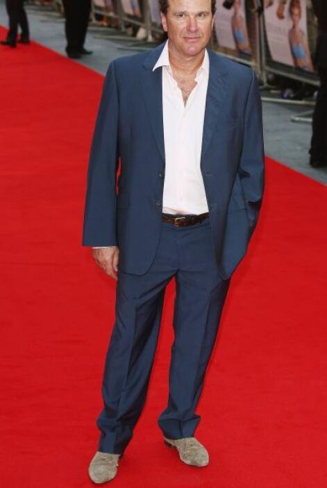 El peor detalle en el 'look' de Douglas Hodge son esos zapatos, ¿quién l...