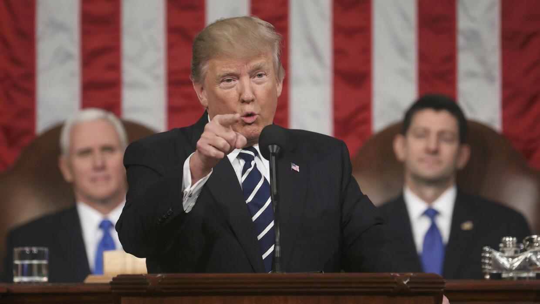 """""""Compre hecho en EEUU y contrate estadounidenses"""", la receta de Trump pa..."""