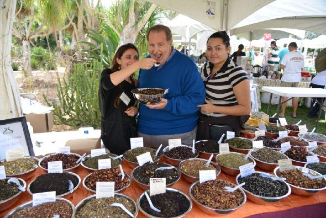 Claro, para aprender la lección, Raúl tuvo que probar varios chocolates.