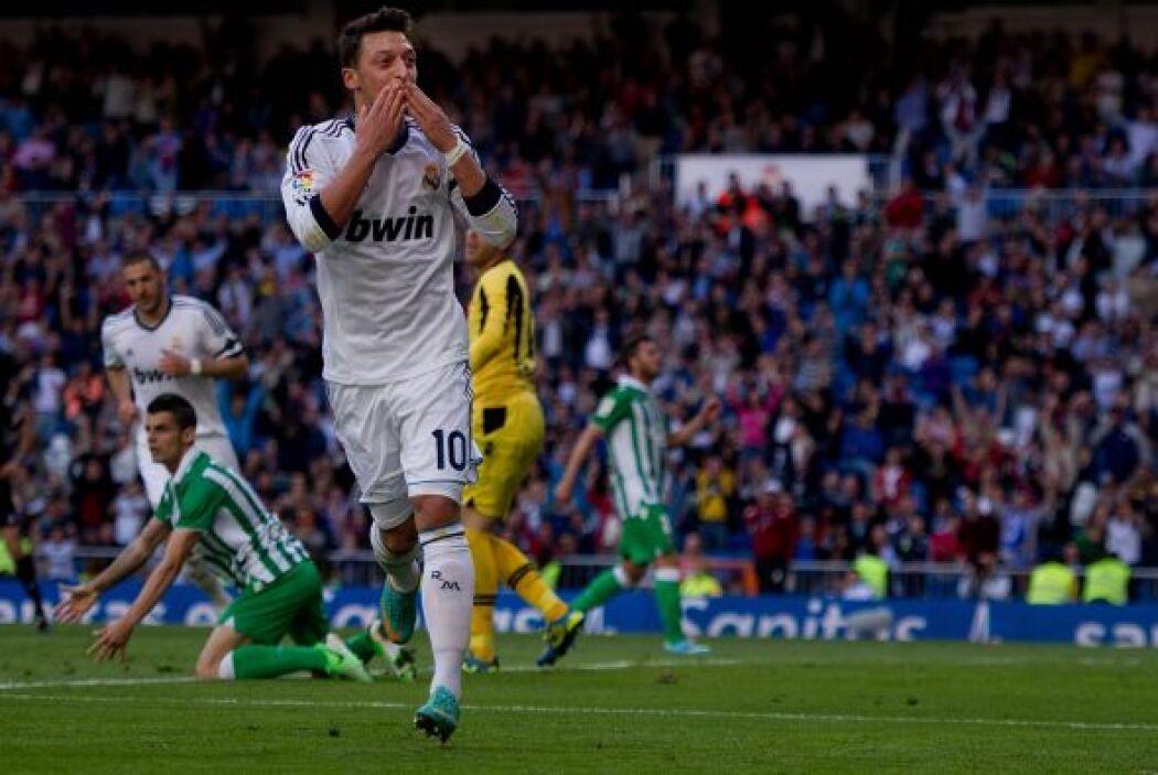 El 'Maguito' marcó un doblete para ser el mejor jugador del plantel blanco.