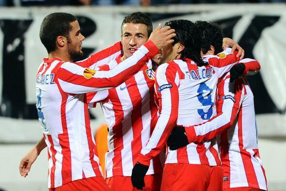Y Eduardo Salvio marcó el 3-0 definitivo, para el 6-1 en el global.