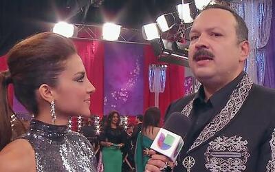Pepe Aguilar quedó hipnotizado con los ojos de Gaby