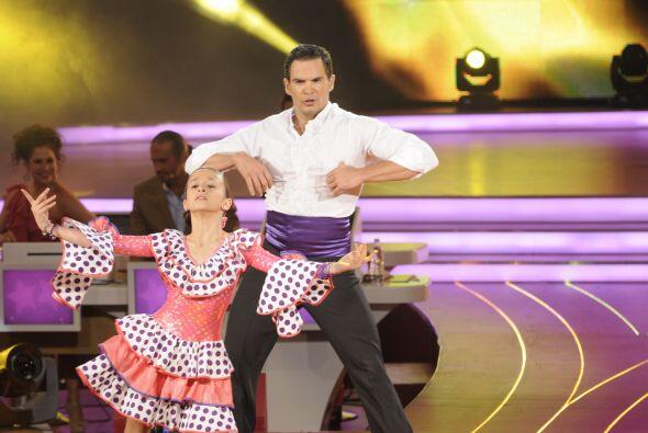 Nicole demostró ser una gran bailarina al bailar perfectamente co...
