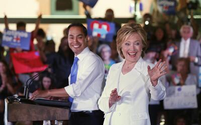 Julián Castro y Hillary Clinton en San Antonio, Texas, octubre de 2015.