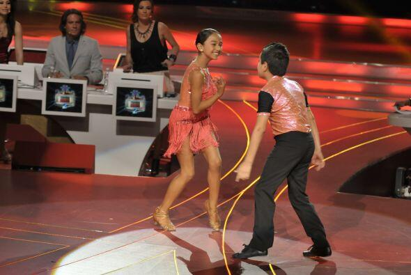 Altahir y Jorge pulieron la pista con sus pasos de salsa.