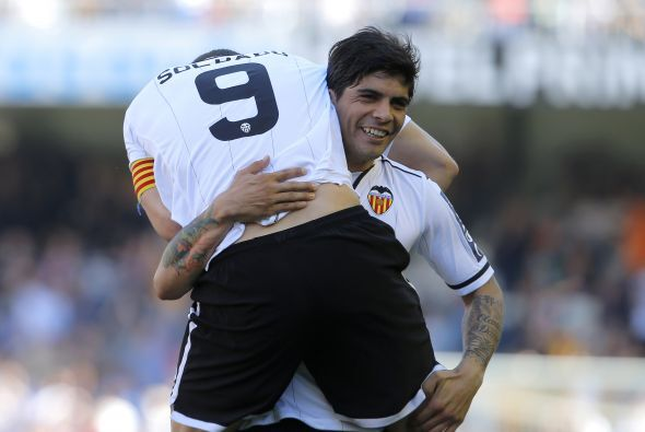 Roberto Soldado abrió el marcador para el Valencia.