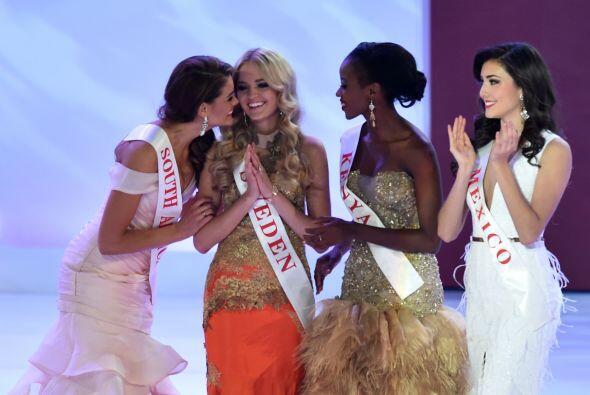 Daniela Álvarez, Miss México (derecha), quedó en noveno lugar.