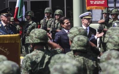 El presidente Enrique Peña Nieto movilizó en 2016 a más de 76,000 milita...