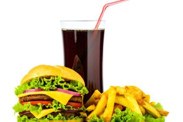 #2 peligros ambientales La comida rápida no solo atenta contra tu guarda...