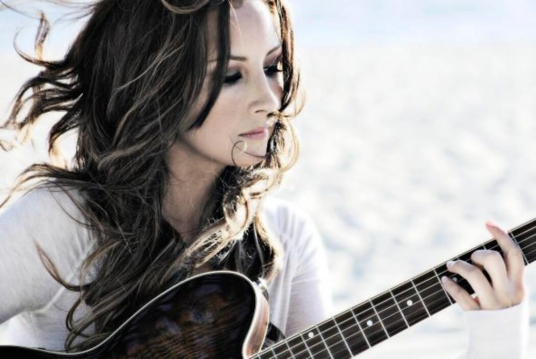 Blanca Soto participa de este número musical.