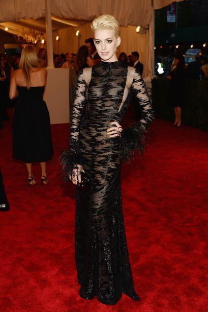 Lo único bueno de Anne Hathaway fueron las transparencias que nos...
