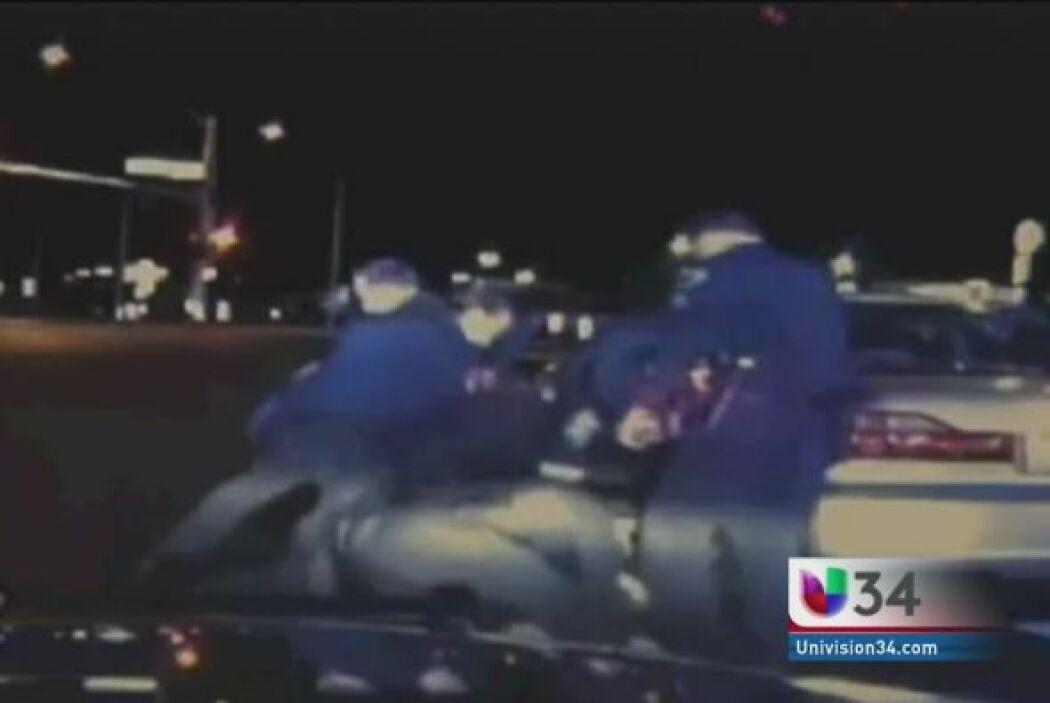 GOLPEADO EN MEDIO DE SHOCK DIABÉTICO.  Estos policías de Nevada pensaron...