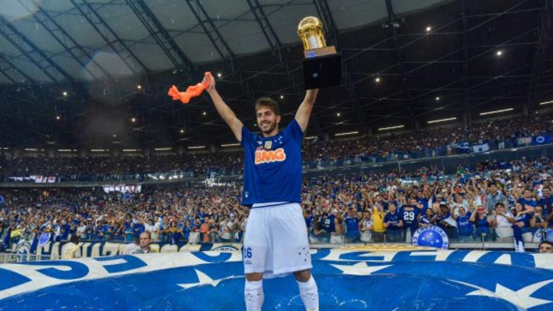 El mediocampista brasileño dejó al Cruzeiro para fichar con el Real Madrid.