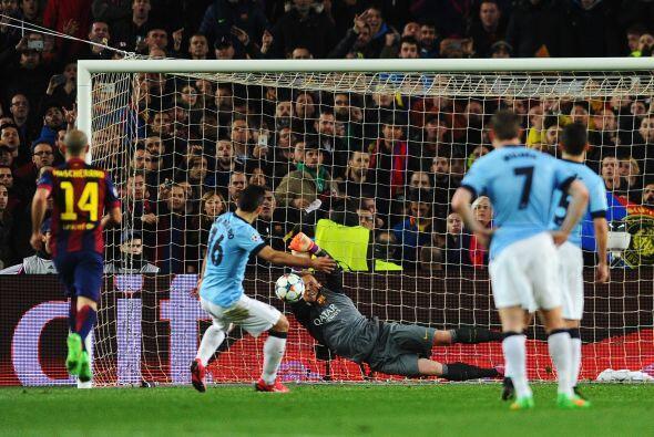 Para mala suerte de los ingleses el delantero argentino fallaría...