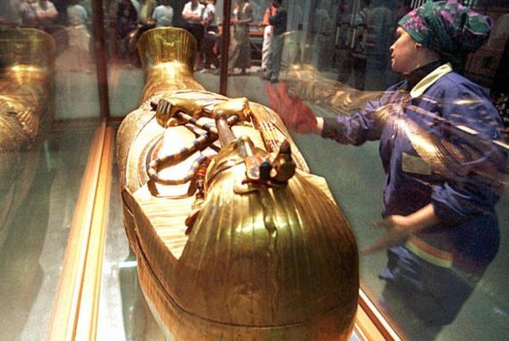 Casi todos los que profanaron la tumba egipcia de Tutankhamun fueron mur...