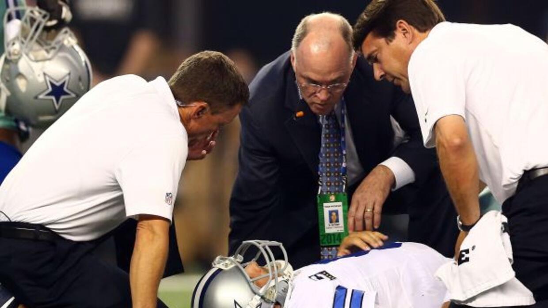 Romo tuvo que salir por un fuerte golpe. Sin emabrgo y para suerte de lo...