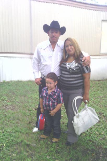 Cristina, Roberto y Robertito Jr. en una bonita foto.