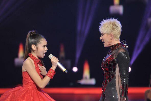 Irlanda no desaprovechó la oportunidad de cantar con Yuri y puso todo su...