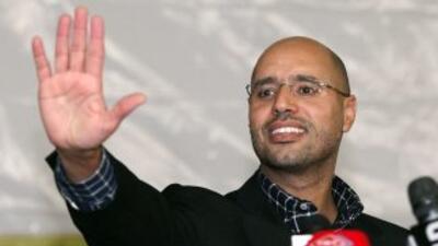 Saif al-Islam a menudo era presentado como el futuro sucesor de su padre...