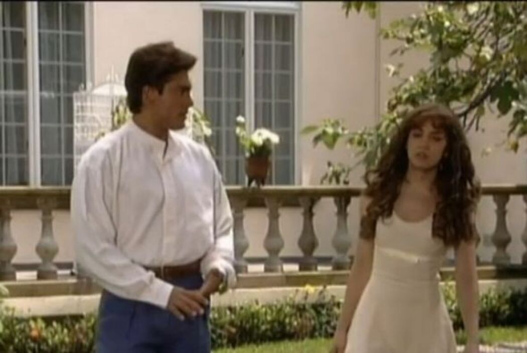 Colunga ya empezaba a ser uno de los galanes favoritos de las telenovelas.