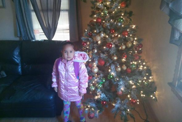 Tania Pina compartió esta foto de su hija lista para salir.