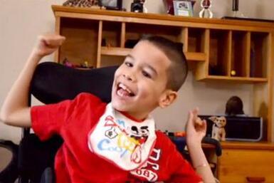 Reyson 'Kiki' Torna tiene parálisis cerebral y por falta de terapia se e...