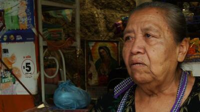 Doña Neme trabaja en la tienda de la escuela y recordó a los estudiantes...