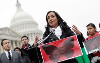 La activista Erika Andiola junto a un grupo de dreamers durante una mani...