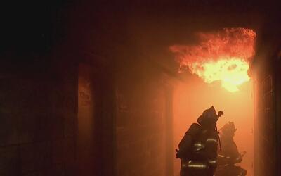 Fuego bajo la piel, el reportaje sobre los bomberos que padecen cáncer p...
