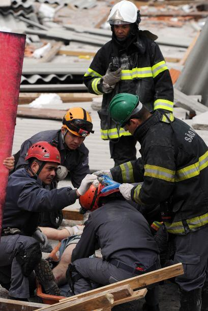 """También afirmó que """"los bomberos no van a salir de aquí hasta que se enc..."""