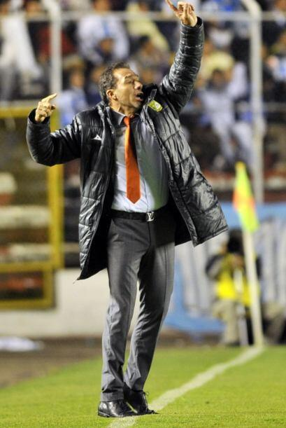 El estratega de León, Gustavo Matosas, realizó varias modi...
