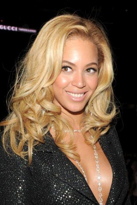 ¿Beyoncé no sabe que debe elegir dos tonos más claros que su color natur...