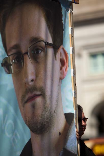 Lanzaron además proclamas a favor del excontratista de la CIA, Edward Sn...