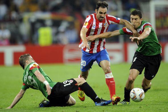 En la segunda mitad se vio a un Athletic más decidido al ataque.