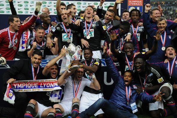 La Copa francesa fue a parar a las vitrinas del Lyon, que con un apretad...