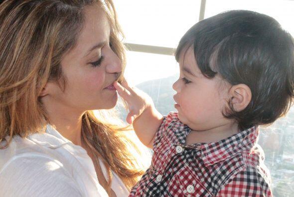 Shakira viajó por primera vez a Colombia junto con su peque&ntild...