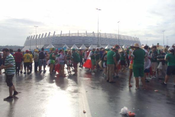 Ni la lluvia los pudo detener.