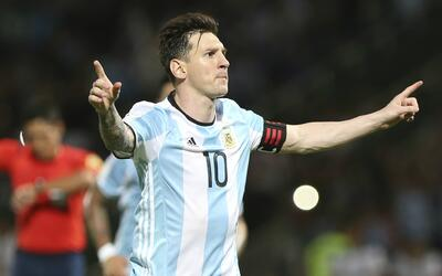 Messi marcó su gol 50 con Argentina