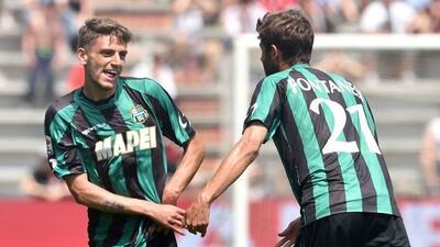 El triplete de Domenico Berardi acabó con los 'rossoneri'.