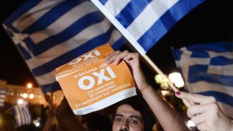 """Partidarios del """"No"""" se congregaban en la Plaza Sintagma de Atenas lo qu..."""