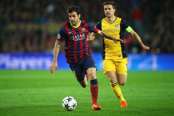 En la media cancha el club decidió vender a Cesc Fábregas...