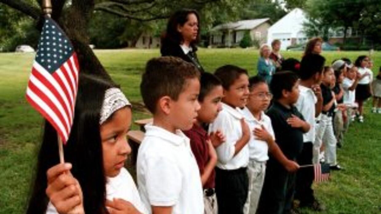 Los estudiantes latinos se enfrentan a obstáculos adicionales como el id...