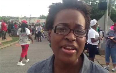 Cae la noche en quinto día de protestas en Ferguson, Missouri