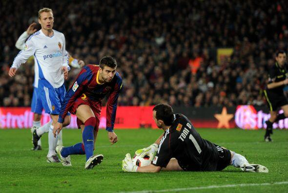 Piqué aprovechó un desconcierto defensivo y subió al ataque, pero no pud...