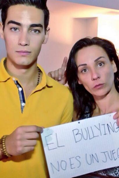 Consuelo Duval y su hijo Mira aquí los videos más chismosos.