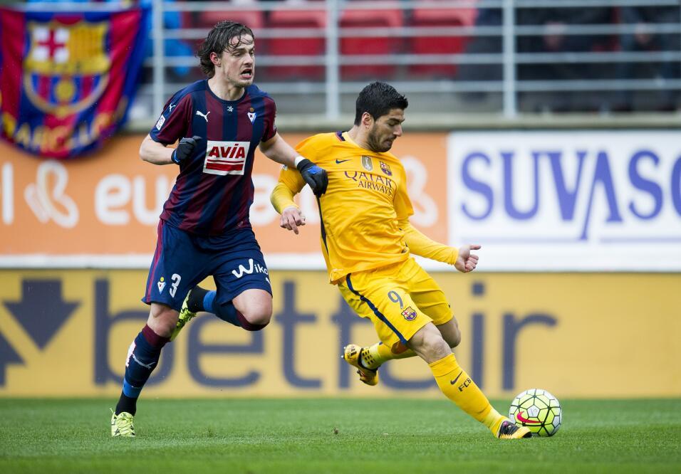 Barça derrocha magia en el campo del Eibar