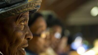 En Sudráfrica rezan por la salud del expresidente Nelson Mandela.