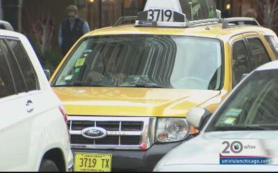 Alerta por robos a taxistas en Chicago