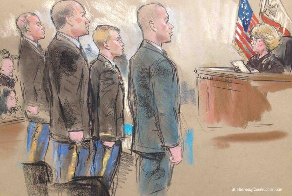 Manning dijo a la juez militar Denise Lind, que presidía el proceso, que...
